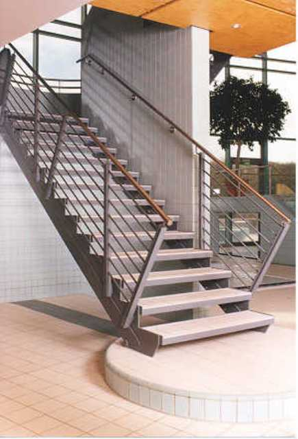 Wangentreppen von Stadler Treppen GmbH für den Innenbereich